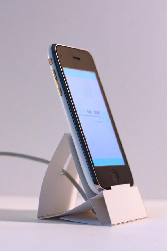iPhone-Paper-Dock-04