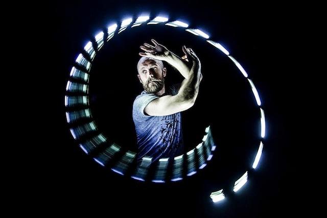 lightspin-05